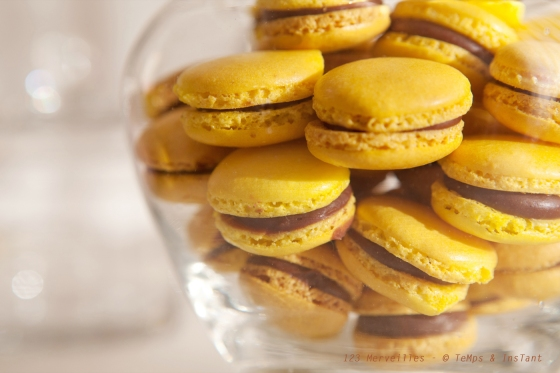 Macaron jaune au nutella