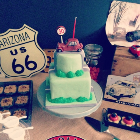 Wedding Cake Road 66, voiture ancienne 123 Merveilles